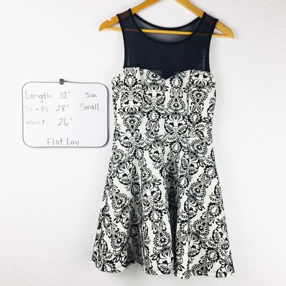 Trixxi Dresses & Skirts - Trixxi Velvet Black Summer Casual Sexy Dress Small